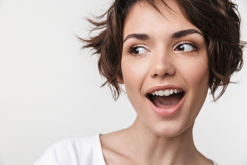 tendance 2021 court coiffée décoiffée