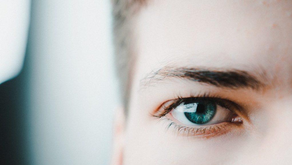 épilation des sourcils