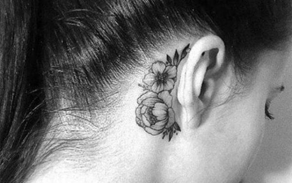 premier tatouage oreille