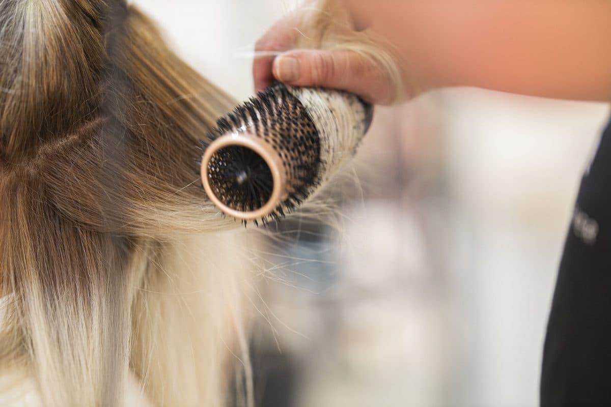 choisir une brosse à cheveux