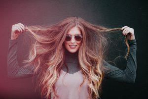 Faire pousser ses cheveux: nos astuces pour une chevelure de rêve