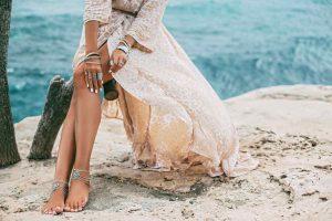 Les bijoux de l'été 2021 à la mode pour booster son look