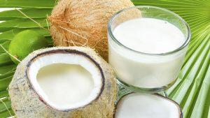 Cheveux et lait de coco : la combinaison parfaite pour prendre soin de votre coiffure !