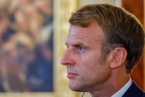 « Il a fait une énorme connerie » : Emmanuel Macron intrigué par la droite pour les élections de 2022