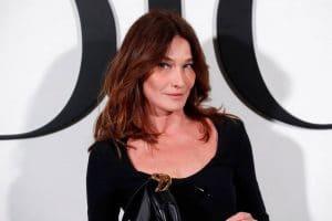 Carla Bruni : malade, elle dévoile un cliché d'elle qui ne laisse pas ses fans indifférents