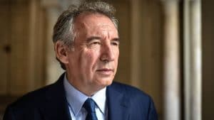 François Bayrou : ce politique avec lequel il a failli se battre