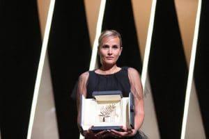 Julia Ducournau : elle représentera valablement la France aux Oscars 2022 avec le film Titane